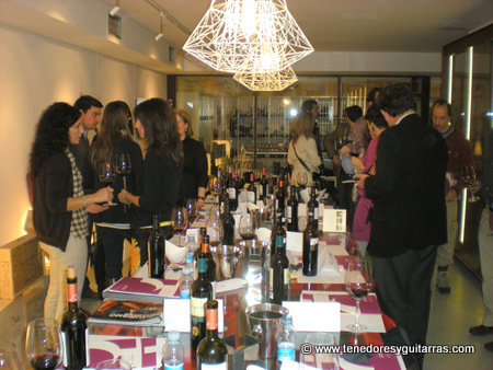 Disfrutando y hablando de los vinos