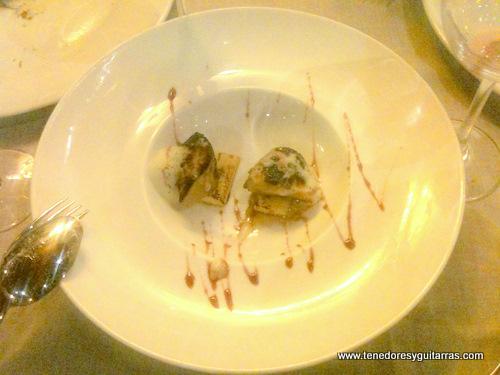 Foie a la plancha con texturas de manzana
